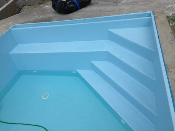 folie-high-level-pool__1.jpg