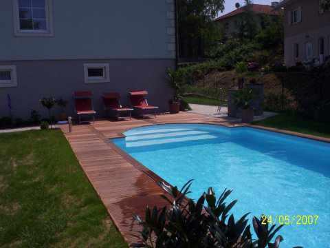 Fotos iso massiv schwimmbadbau - Pool holzumrandung selber bauen ...