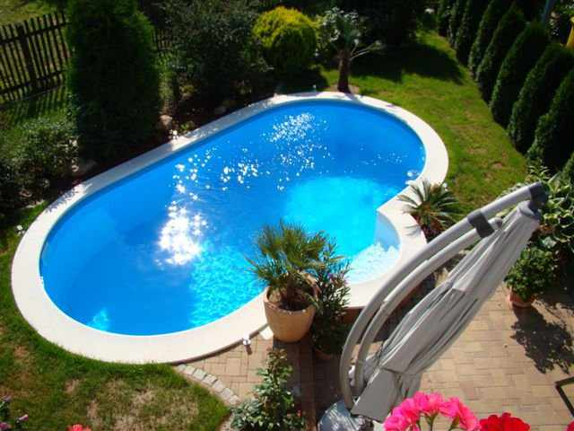 Fotos iso massiv schwimmbadbau for Poolumrandung achtformbecken